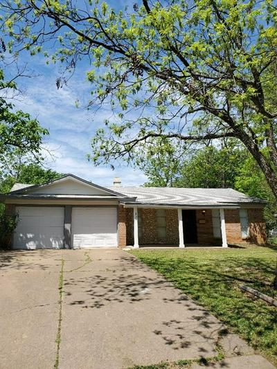 801 KOEN LN, EULESS, TX 76040 - Photo 2