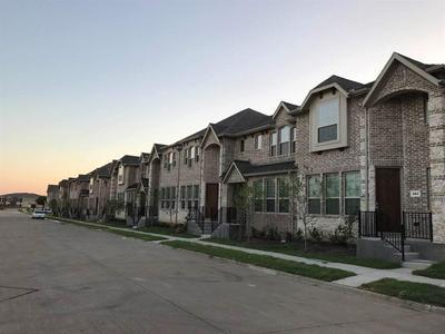 960 GRACE LN, LEWISVILLE, TX 75056 - Photo 2
