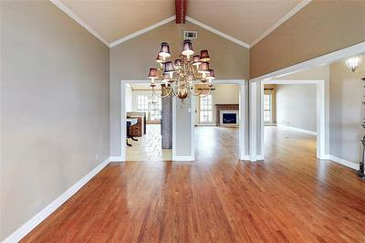2618 COUNTRY VALLEY RD, Garland, TX 75043 - Photo 2
