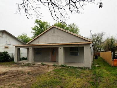 1306 MAGNOLIA ST, BROWNWOOD, TX 76801 - Photo 2