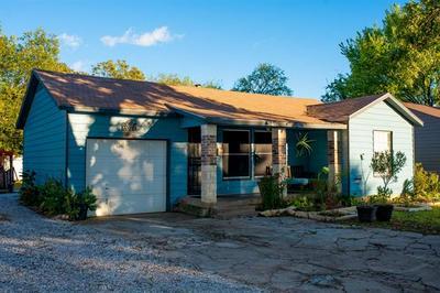 2208 BONNIE BRAE AVE, Fort Worth, TX 76111 - Photo 2
