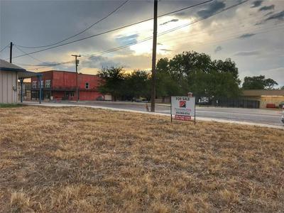 314 E CRINER ST, Grandview, TX 76050 - Photo 1