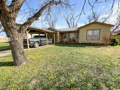 1304 N AVENUE L, HASKELL, TX 79521 - Photo 1