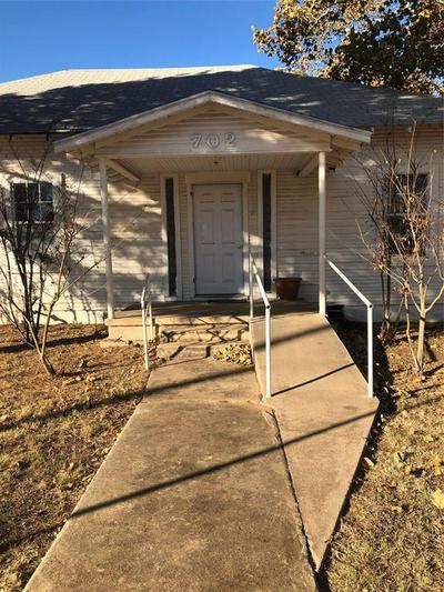 702 GRAHAM ST, Tuscola, TX 79562 - Photo 2