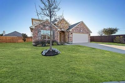 4500 RED ROBIN CT, Fort Worth, TX 76244 - Photo 2