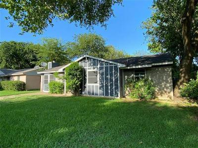 1326 DRIFTWOOD DR, Duncanville, TX 75116 - Photo 2