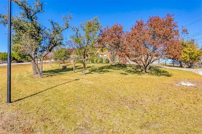 400 SANDRIDGE DR, Weatherford, TX 76085 - Photo 2
