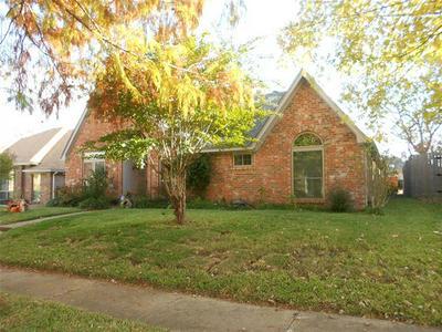 4918 MEADOW VISTA PL, Garland, TX 75043 - Photo 2