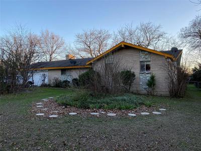506 ROUNDTOP BLVD, DUNCANVILLE, TX 75116 - Photo 1