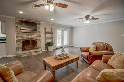 1806 N PRESTON ST, ENNIS, TX 75119 - Photo 2