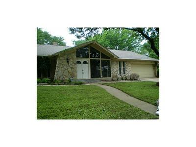 1425 WREYHILL DR, Hurst, TX 76053 - Photo 2