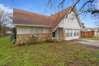 713 TIMBERLINE ST, KENNEDALE, TX 76060 - Photo 1
