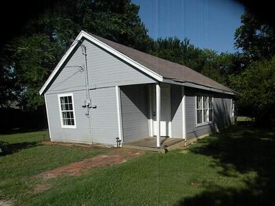 415 JACKSON ST, Krum, TX 76249 - Photo 1