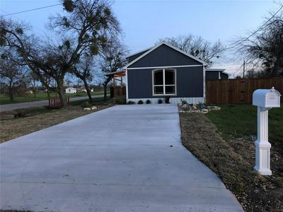 108 E HENDERSON ST, ITASCA, TX 76055 - Photo 1