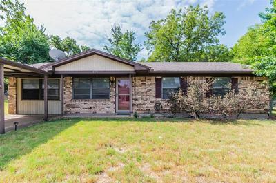 525 VINE ST, Weatherford, TX 76086 - Photo 1