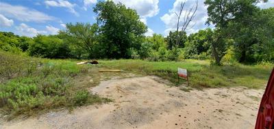 213 S MERRIMAC ST, Weatherford, TX 76086 - Photo 1