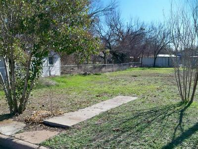 300 E 4TH ST, Coleman, TX 76834 - Photo 1