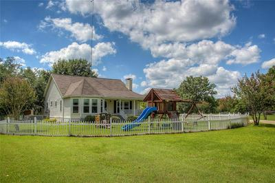 858 COUNTY ROAD 3101, Greenville, TX 75402 - Photo 2