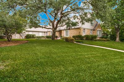 6846 GREENWICH LN, Dallas, TX 75230 - Photo 2