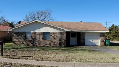 96 9TH ST, Nocona, TX 76255 - Photo 2