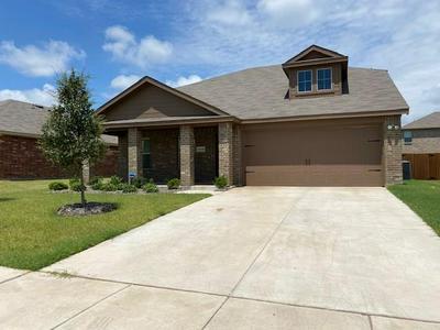2609 HUTCHINS DR, Seagoville, TX 75159 - Photo 2