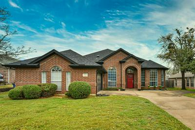 1263 STONEHILL CT, Kennedale, TX 76060 - Photo 2