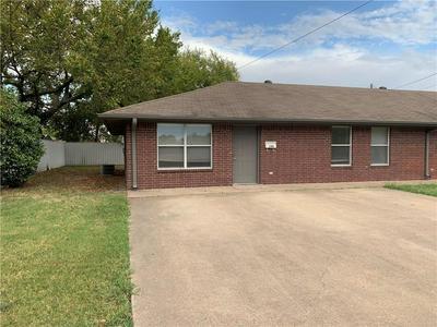 200 ALLEN ST APT 100, Terrell, TX 75160 - Photo 2