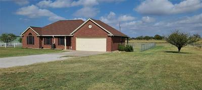 205 HARVEY LN, Decatur, TX 76234 - Photo 2