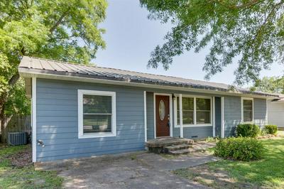814 WILLIAMS ST, Waxahachie, TX 75165 - Photo 2