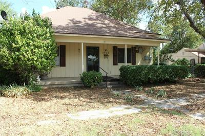 1701 S COMMERCIAL AVE, Coleman, TX 76834 - Photo 2