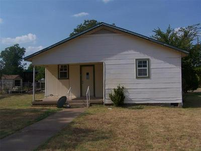 700 W WHEELER ST, Breckenridge, TX 76424 - Photo 1