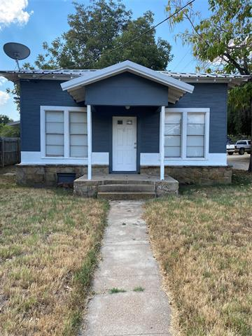 604 W PLUMMER ST, Eastland, TX 76448 - Photo 1