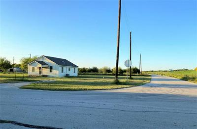 1820 DON LEE RD, Cleburne, TX 76058 - Photo 2
