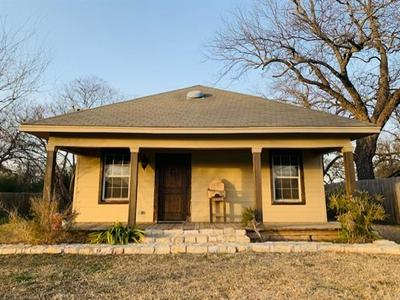 107 THROCKMORTON ST, Weatherford, TX 76086 - Photo 1