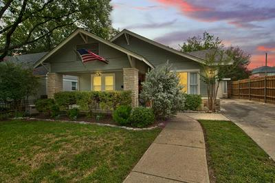 4537 COLLINWOOD AVE, Fort Worth, TX 76107 - Photo 2