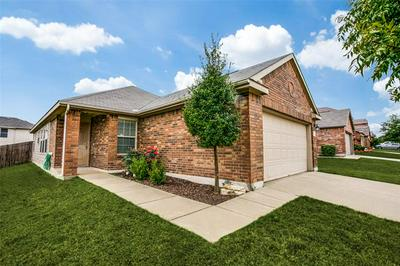 733 SANTA ROSA DR, Fort Worth, TX 76052 - Photo 1