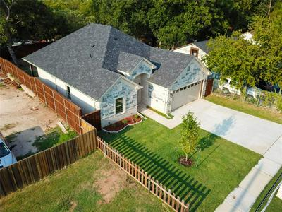 3901 AVENUE H, Fort Worth, TX 76105 - Photo 2