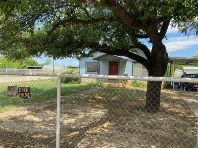 1216 W 1ST ST, BRECKENRIDGE, TX 76424 - Photo 2