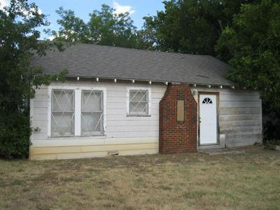302 N EASTON ST, Breckenridge, TX 76424 - Photo 1