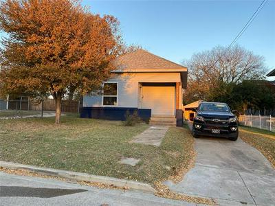 109 N BINKLEY ST, Sherman, TX 75092 - Photo 1
