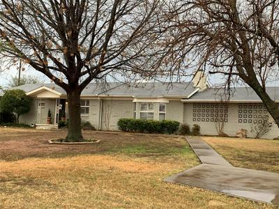 1303 W BELKNAP ST, JACKSBORO, TX 76458 - Photo 1
