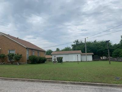 102 E COLLOM ST, Decatur, TX 76234 - Photo 2
