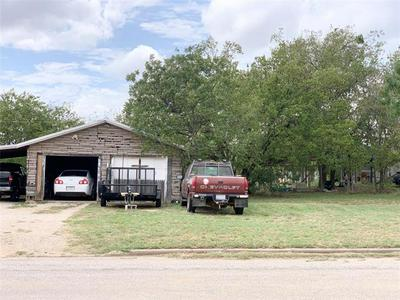 204 S IOWA ST, Breckenridge, TX 76424 - Photo 2