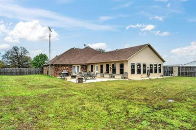570 SHAWNEE TRL, WHITESBORO, TX 76273 - Photo 2