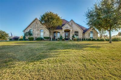 6812 MUSTANG CREEK DR, Fort Worth, TX 76126 - Photo 2