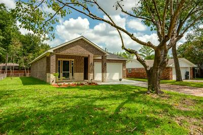 218 TOWN NORTH DR, Terrell, TX 75160 - Photo 1