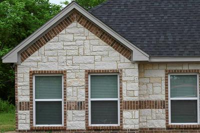 1733 E WINTERGREEN RD, Hutchins, TX 75141 - Photo 1