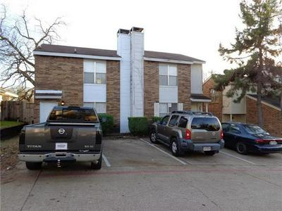 206 COUNTRY BEND DR, Duncanville, TX 75137 - Photo 1