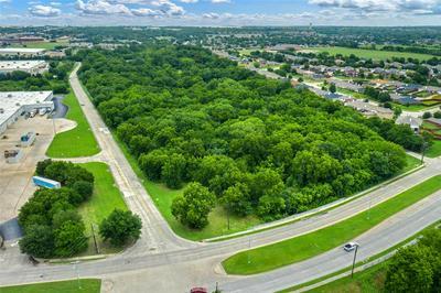 201 CHESHIER RD # NWC, Lancaster, TX 75146 - Photo 2