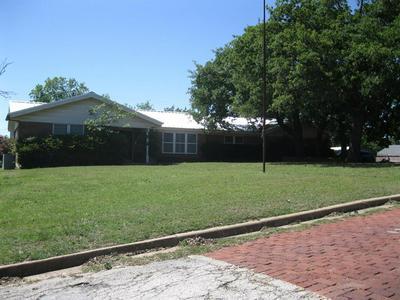 511 S DIXIE ST, Eastland, TX 76448 - Photo 2
